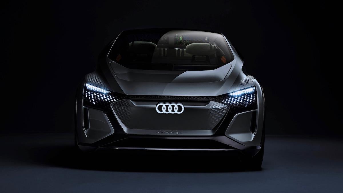 Audi AI:ME – заднеприводный хетчбэк сживыми цветами всалоне