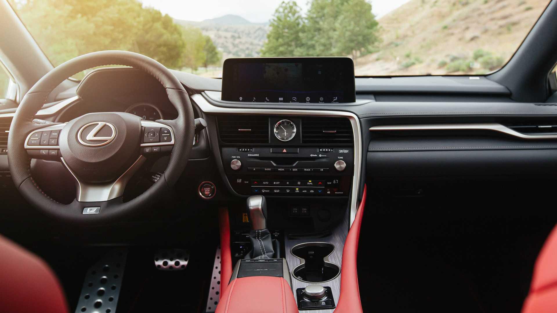 Обновлённый Lexus RX: без джойстика, но с новой подвеской