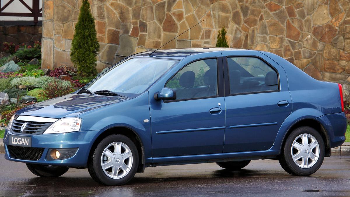 #6 Renault Logan. В России насчитывается 50,9 тысячи Логанов, которыми владеют юрлица. Это 7,6% от всех российских седанов всех поколений (670,8 тысячи штук).   Найти Renault Logan на Авто.ру