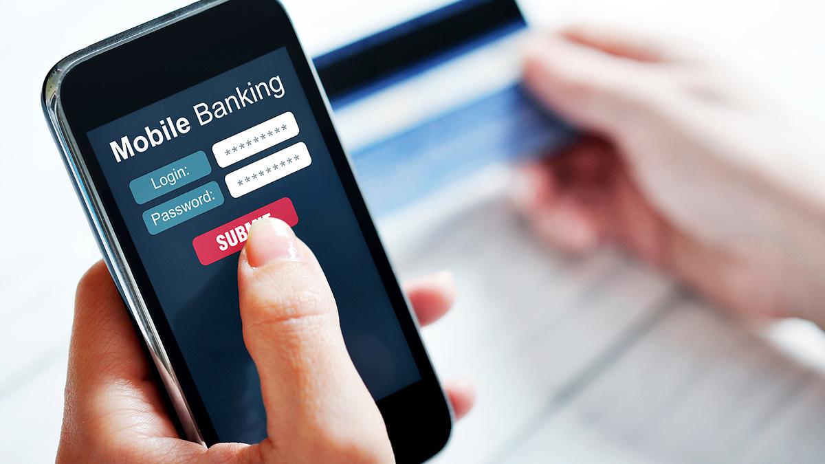 Автодилеры попросили снизить тарифы по платежам через мобильный банк