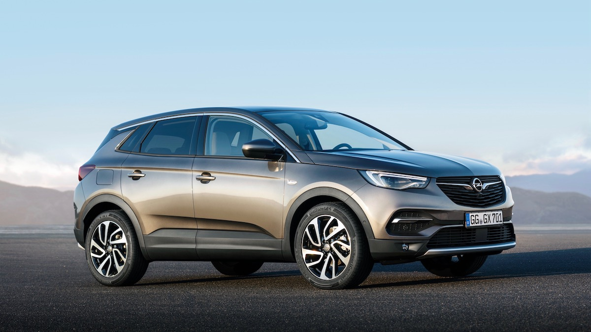 Opel может привезти в РФ полноприводный Grandland X