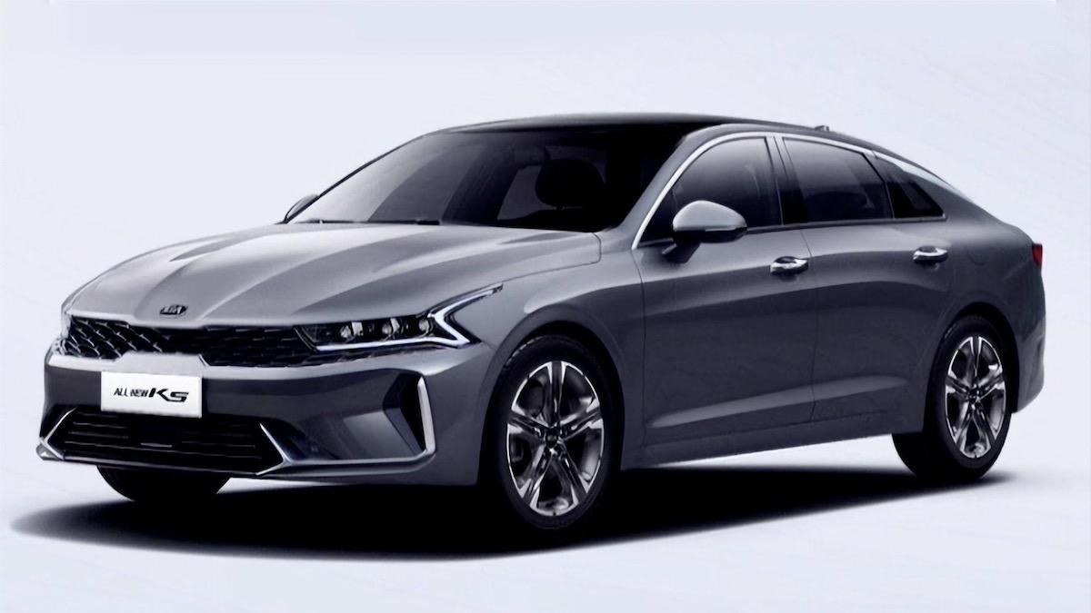 Китайская версия Kia Optima стала длиннее и получила приборку, как у Мерседеса