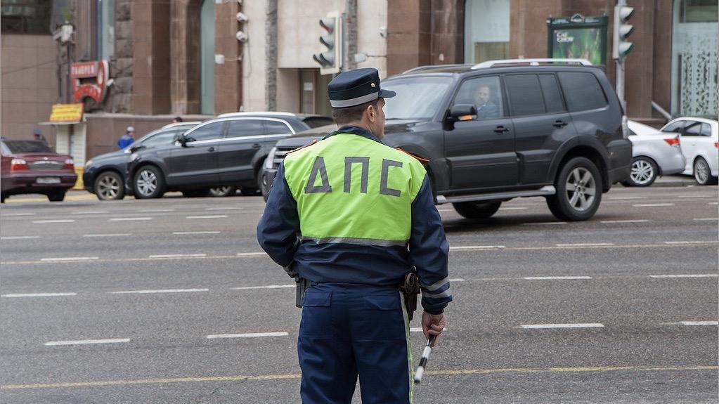 Смартфоны московских полицейских подключили кдорожным камерам дляпроверки пропусков