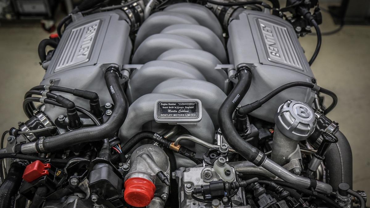 Собран последний экземпляр самого старого мотора V8 напланете