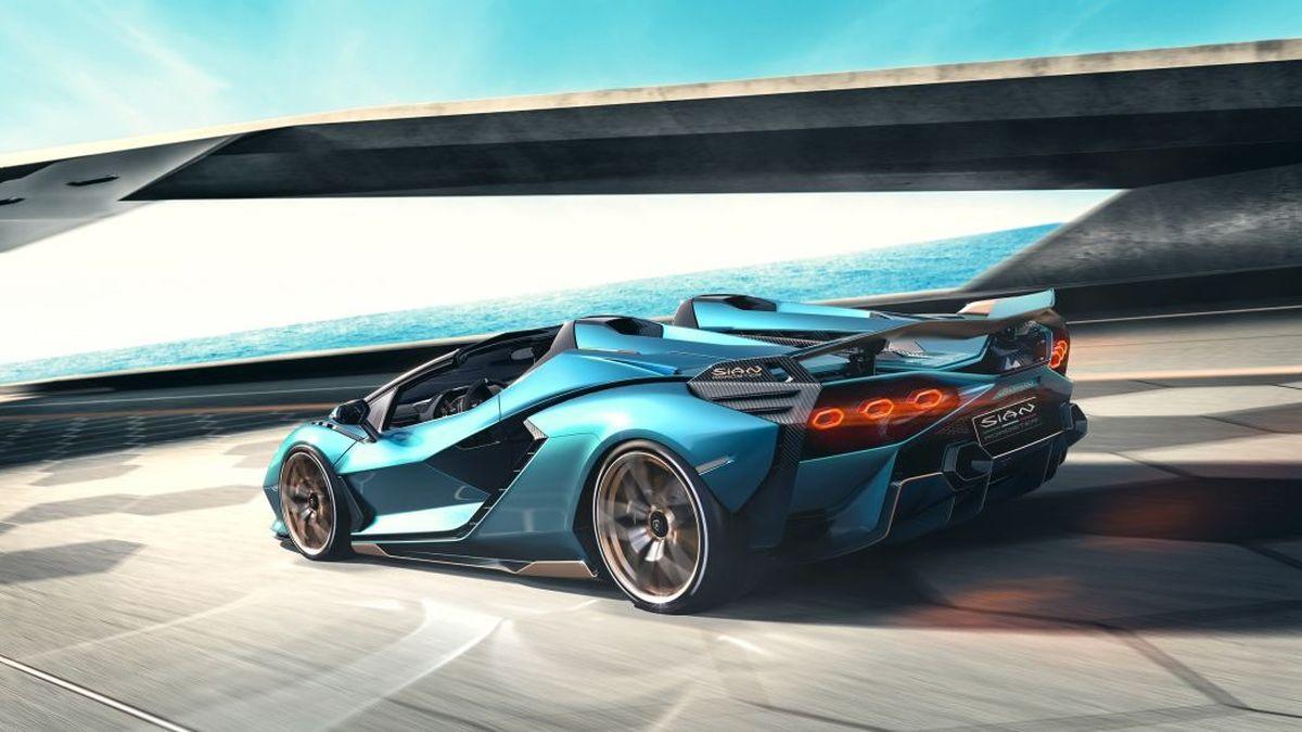 819 сил и 19 штук: Lamborghini показала мощнейший родстер в истории