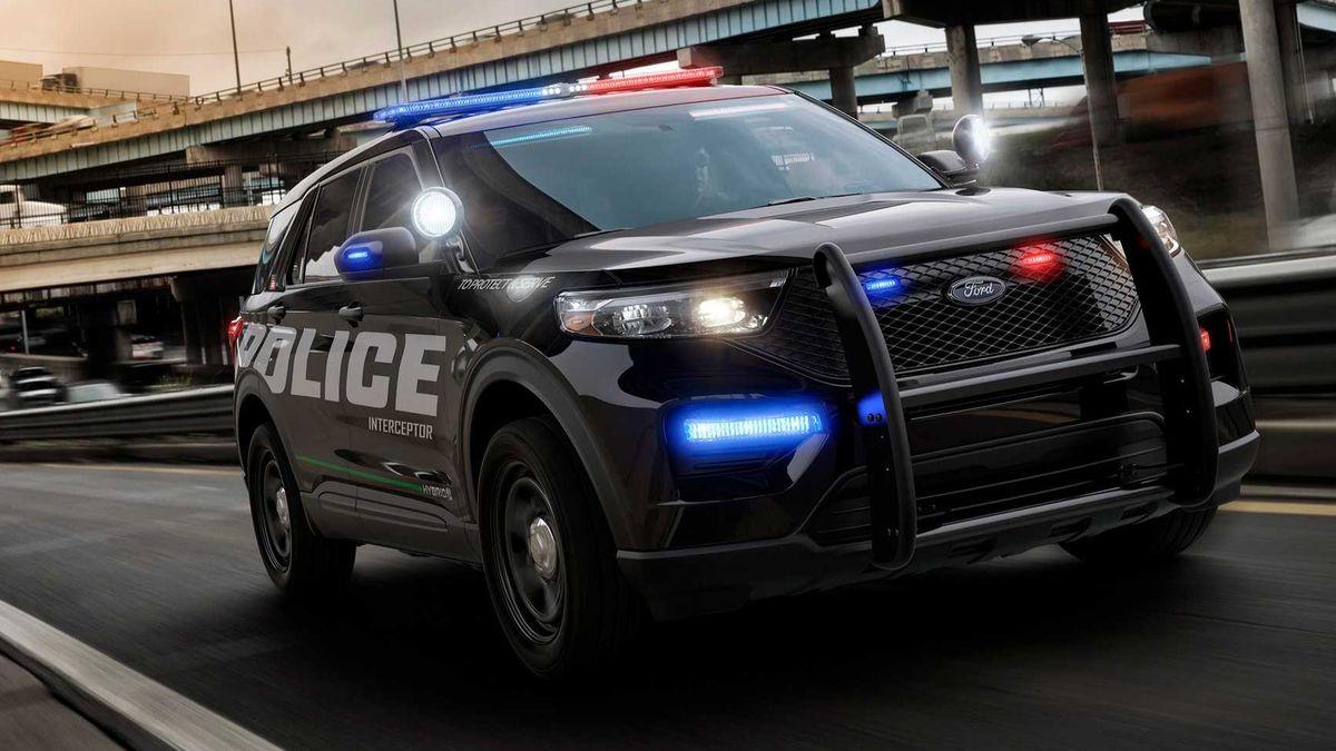 Сотрудники Ford потребовали запретить выпуск машин для полиции