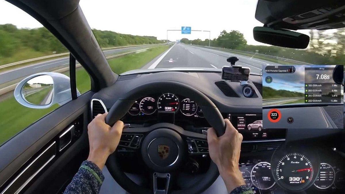 Видео дня: 333 км/ч по автобану на 962-сильном Porsche Cayenne