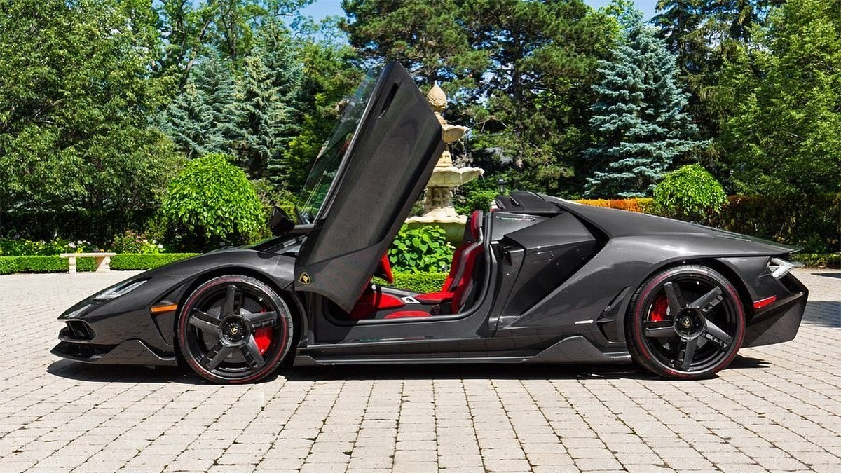 Гиперкар Lamborghini Centenario Roadster за четыре года подорожал на 750 000 долларов
