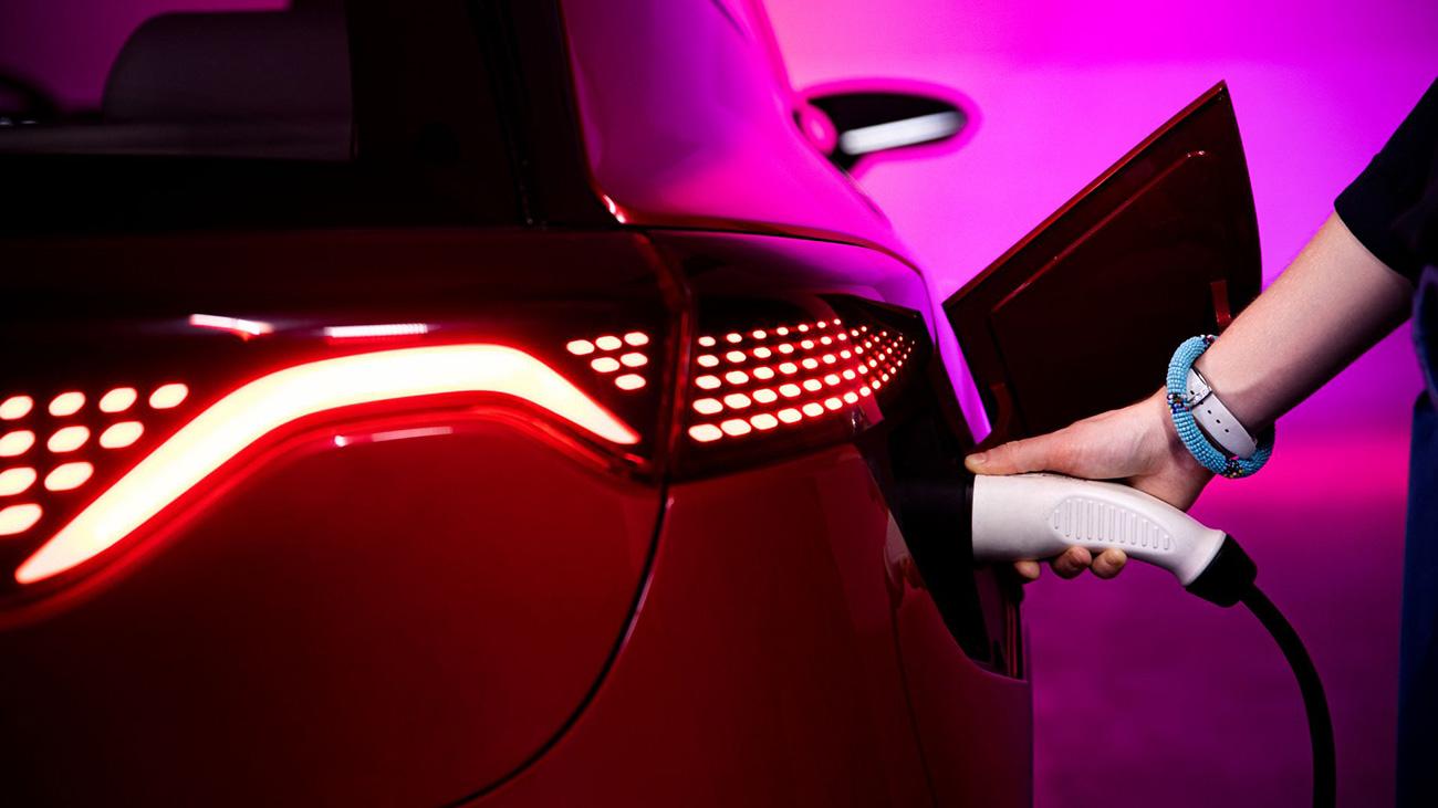 Представлены первые польские электромобили Izera. Дизайн для них придумали в Италии