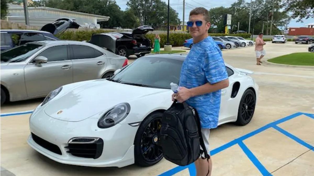 Американец купил Porsche, напечатав банковский чек на принтере. Но прокололся на «ролексах»