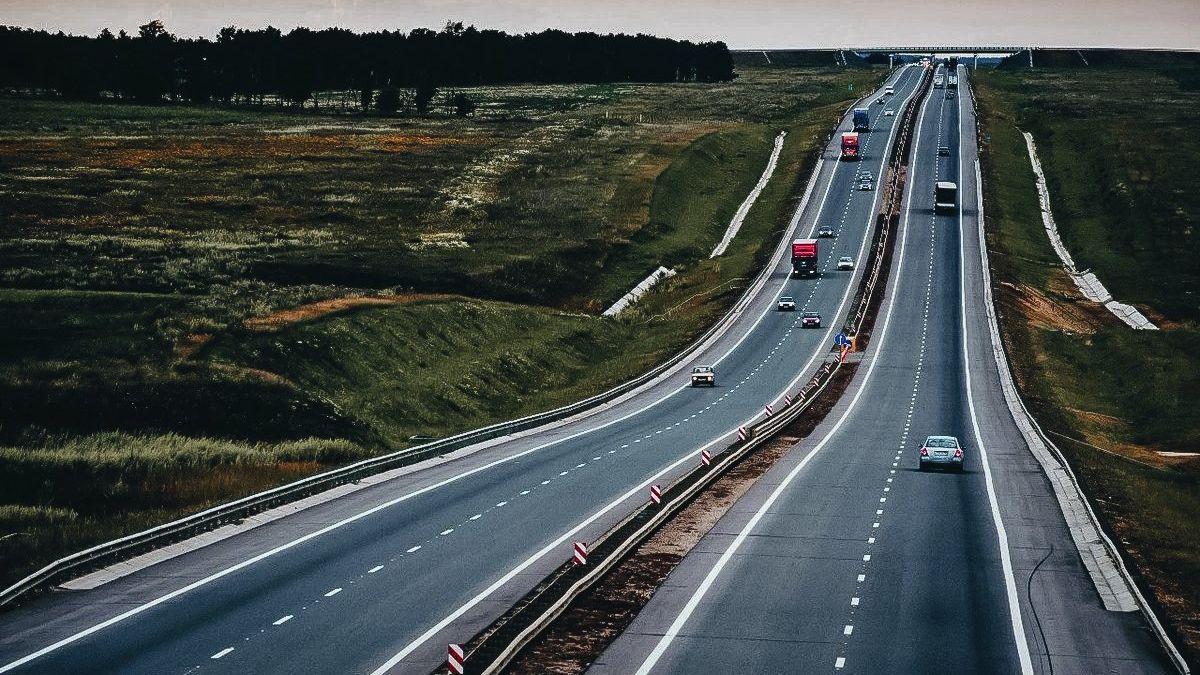 Разрешённую скорость на бесплатных дорогах России захотели увеличить