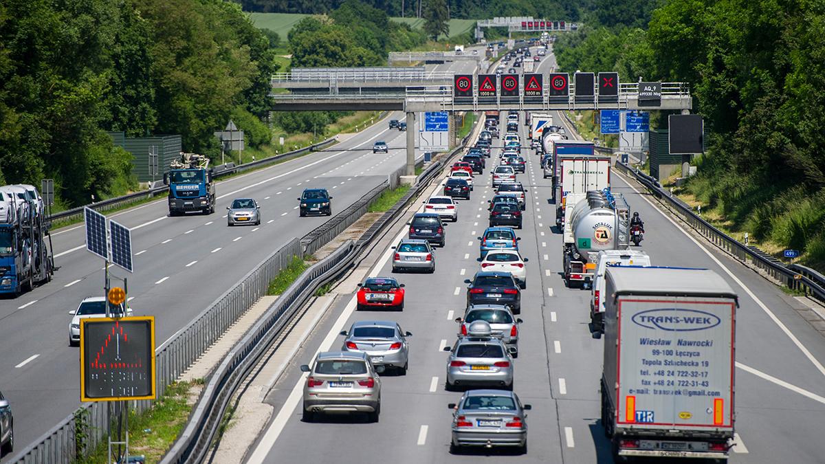 Июльские продажи автомобилей в Европе сократились всего на 2%