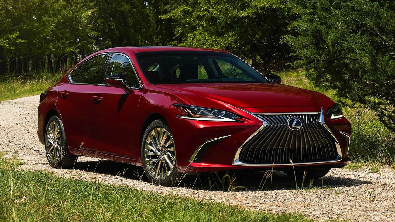 Седан Lexus ES получил полный привод от Toyota Camry