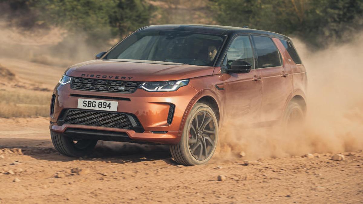 Land Rover обновил кроссоверы Discovery Sport и Evoque. Они стали дизельными гибридами