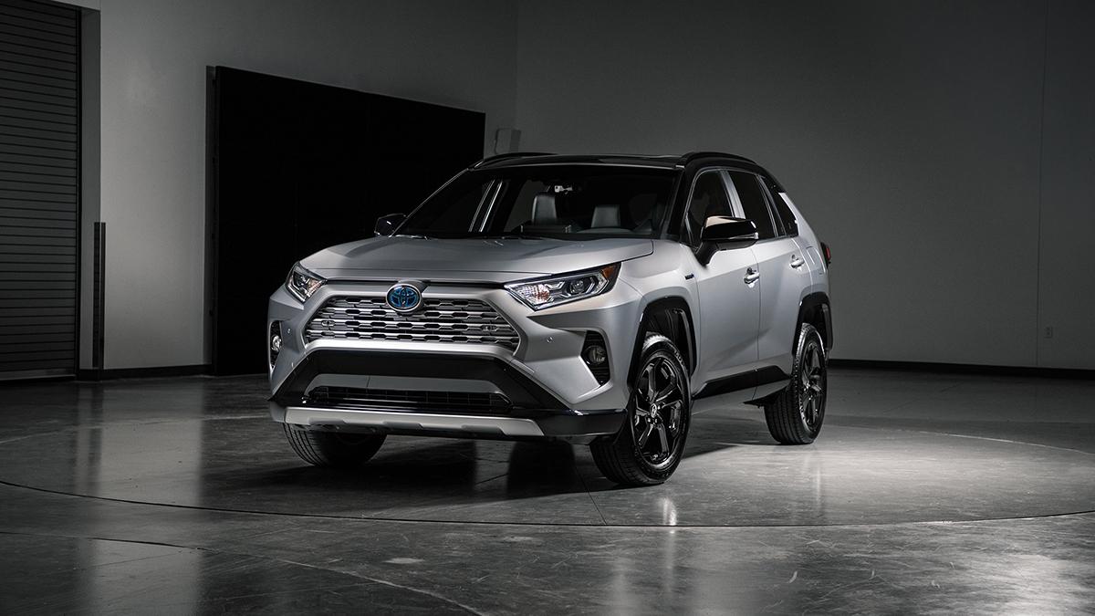 #5 Toyota Rav4 Август 2020 года: 2534 штуки  Динамика продаж: минус 14,4% Динамика в рейтинге: —  Итого, 2020 год: 21 902 штуки, плюс 11,8% Хороший выбор новых Toyota Rav4 на Авто.ру