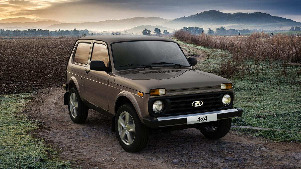 #6 Lada 4x4 Август 2020 года: 2473 штуки  Динамика продаж: минус 6,6% Динамика в рейтинге: —  Итого, 2020 год: 16 582 штуки, минус 18,1% Много новых Lada 4x4 на Авто.ру