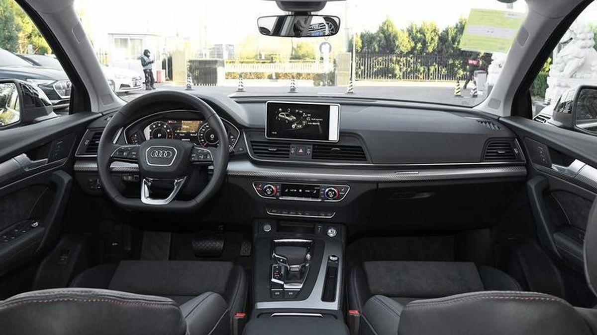 Интерьер Audi Q5 для Китая. Ожидается, что таким же он будет о версии Q5L Sportback