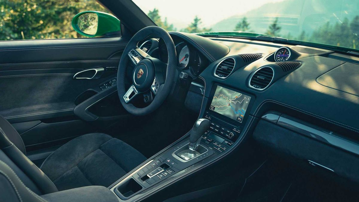 Самые злые Porsche 718 Cayman и Boxster получили фирменный «робот». И стали ещё злее