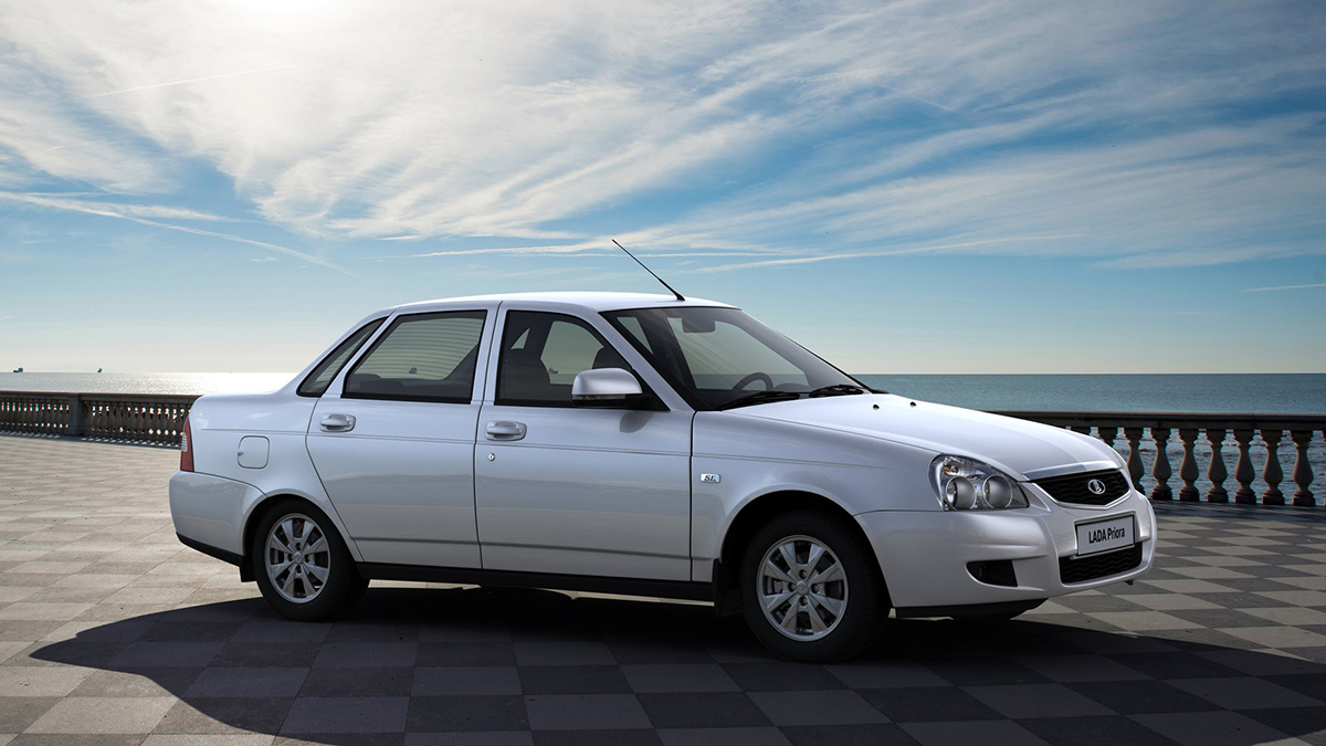 #6 Lada Priora седан Август, 2020 год: 10,4 тысячи штук  Динамика: плюс 9,2% Итого, 2020 год: 60,4 тысячи штук  Динамика: минус 11,9% Много свежих Lada Priora на Авто.ру