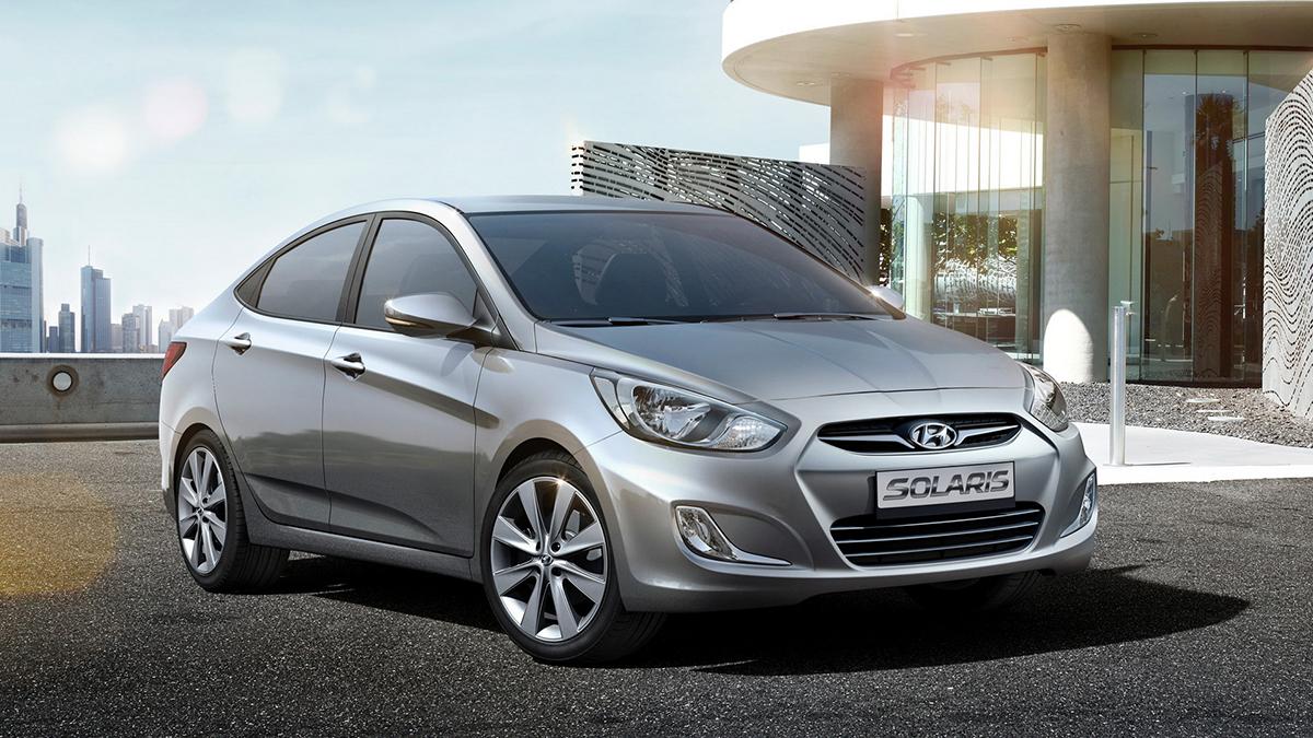 #3 Hyundai Solaris Август, 2020 год: 12,4 тысячи штук  Динамика: плюс 19,9% Итого, 2020 год: 70,1 тысячи штук  Динамика: плюс 2,3% Купить Hyundai Solaris на Авто.ру