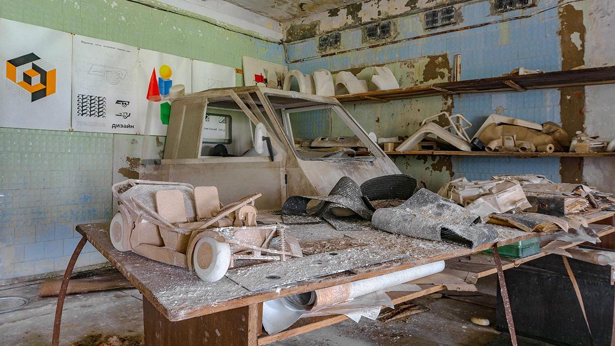 Под Иваново сфотографировали заброшенное КБ АЗЛК с прототипами
