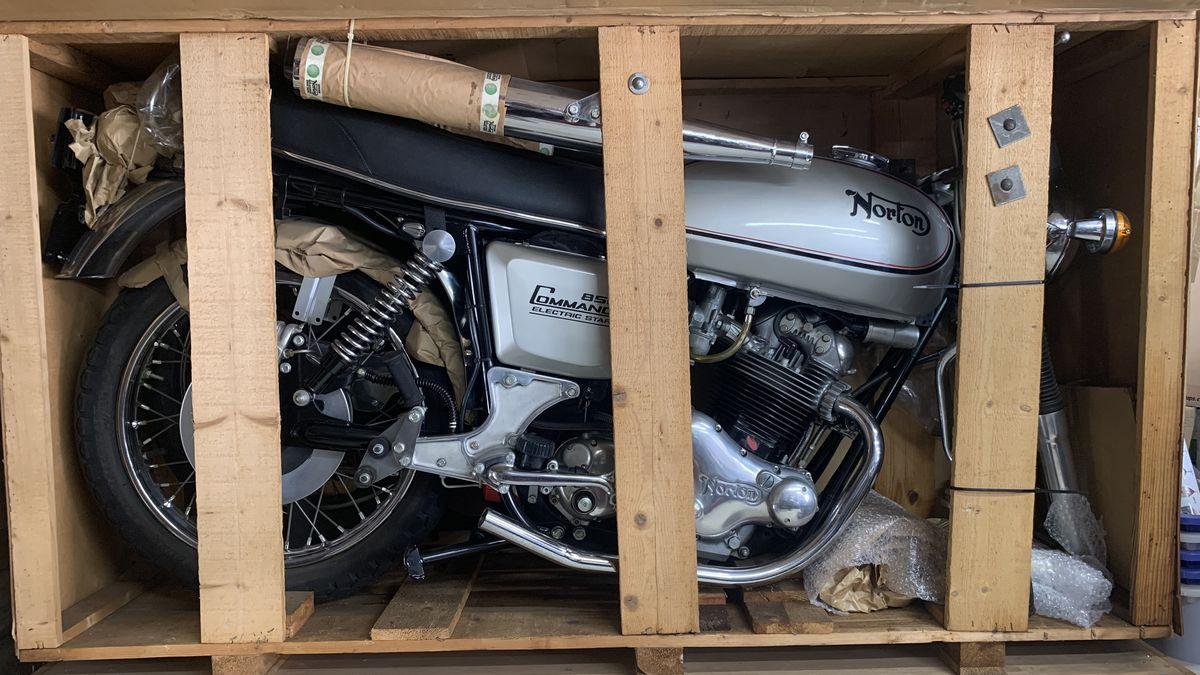«Капсула времени»: мотоцикл 1977 года, который даже не распаковывали