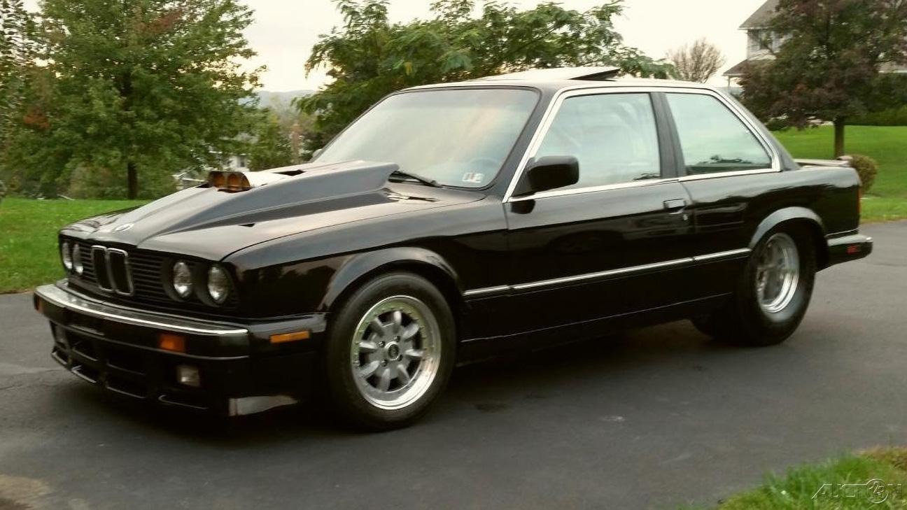 34-летнее купе BMW 3 серии с V8 от Chevrolet оценили дороже нового