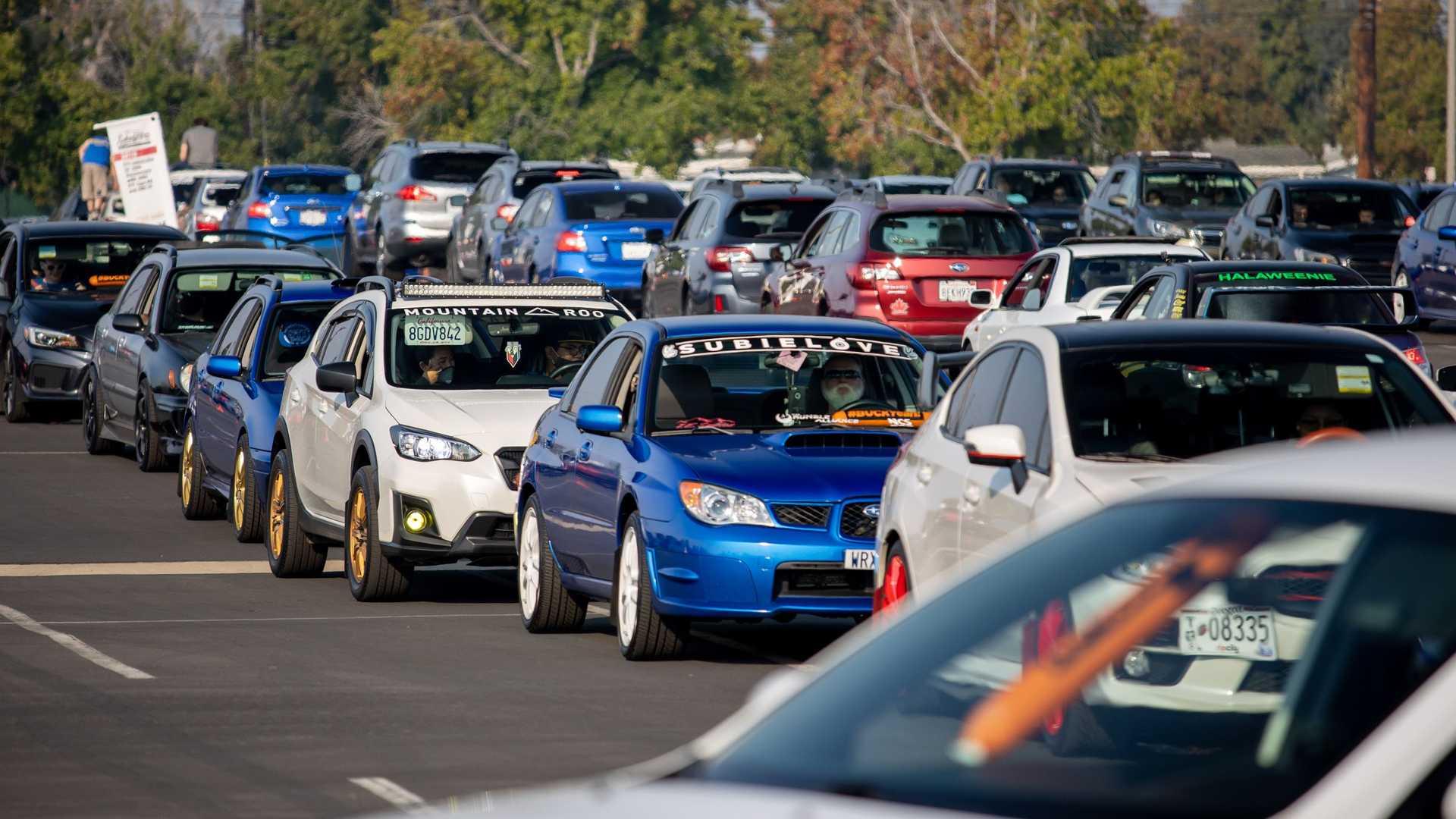 Огромная колонна Subaru установила рекорд Гиннесса