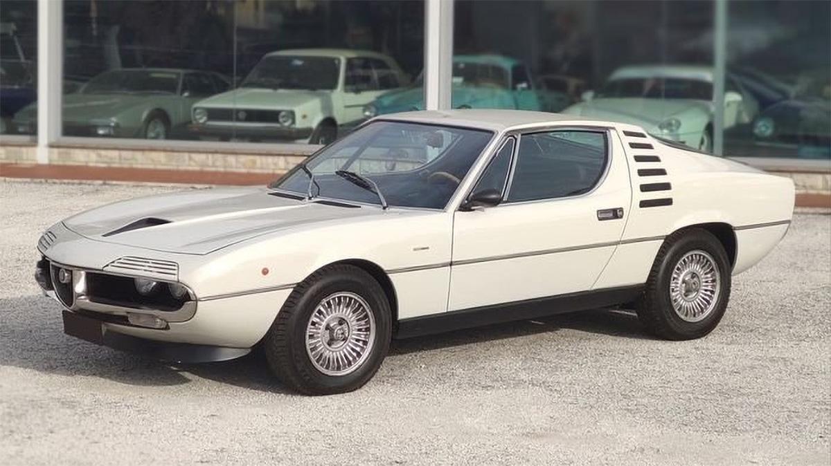 На торги выставлен редкий спорткар Alfa Romeo Montreal 1974 года с пробегом 20 тысяч км