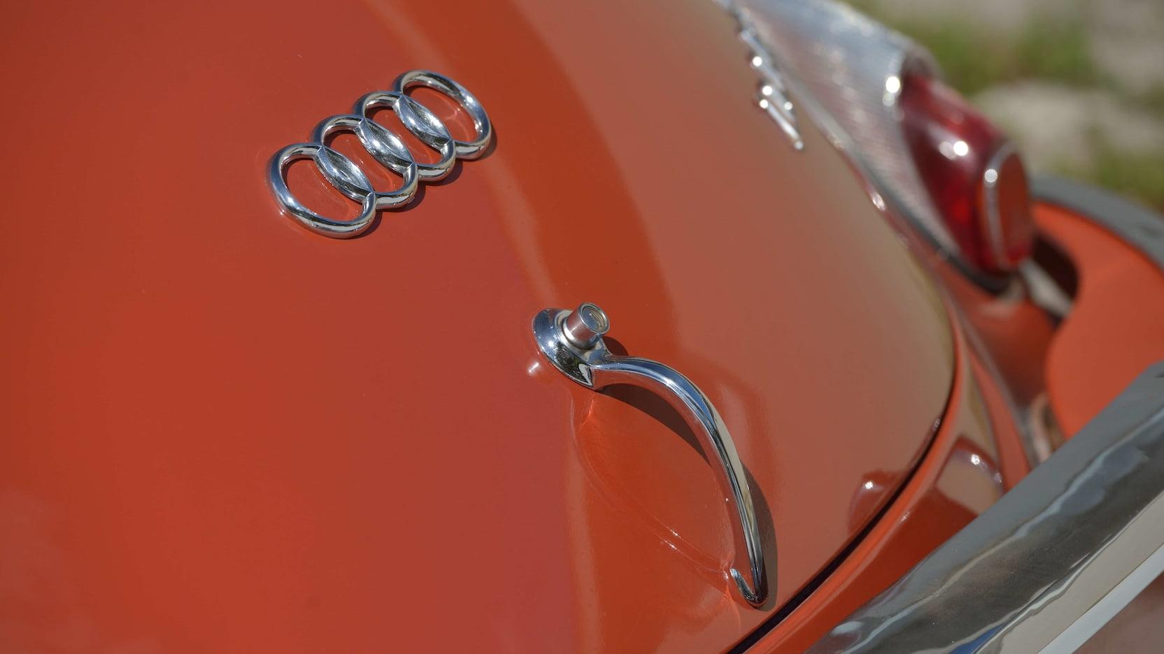 На продажу выставят раритетное купе с эмблемой Audi. Но это не Audi