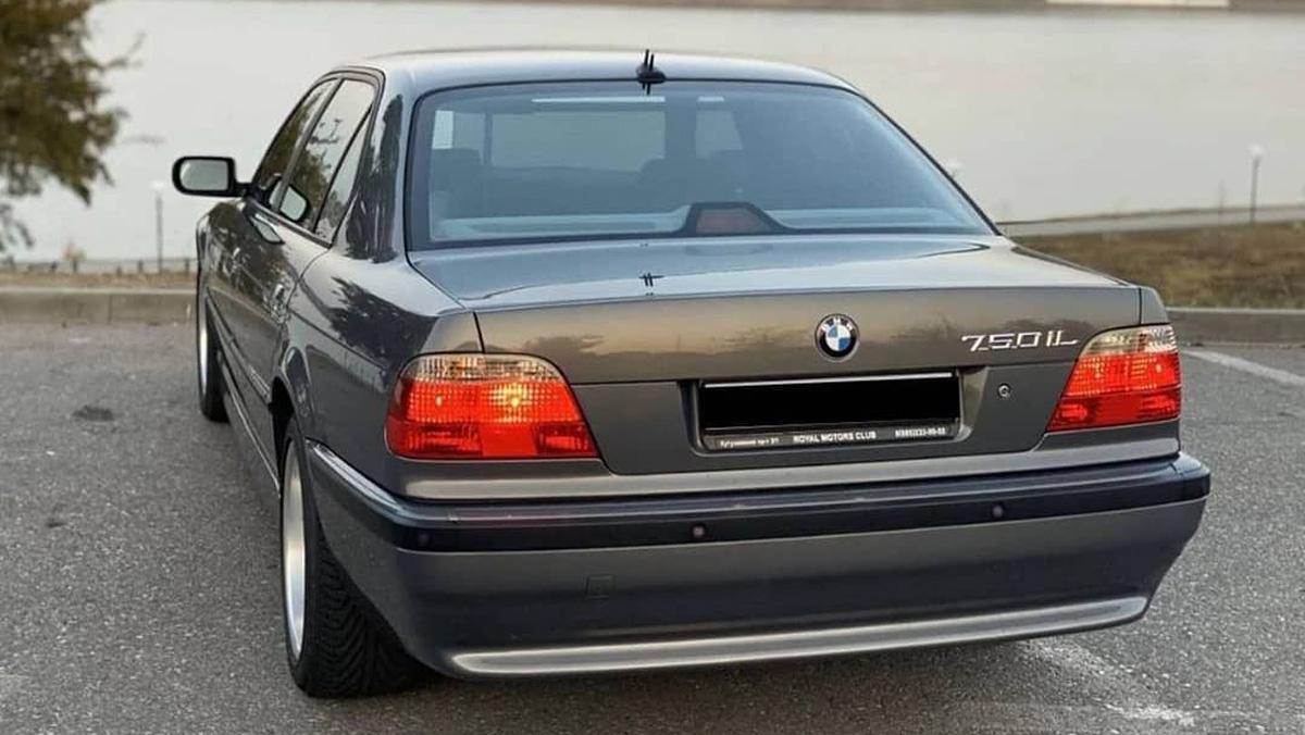 Новые водительские права вРФ, BMW изЧечни безпробега икое-что ещё