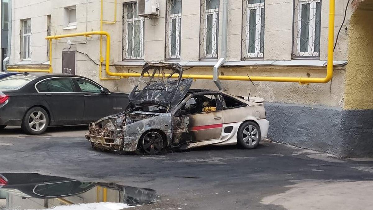 В Москве сгорела самодельная Tesla за 200 тысяч рублей