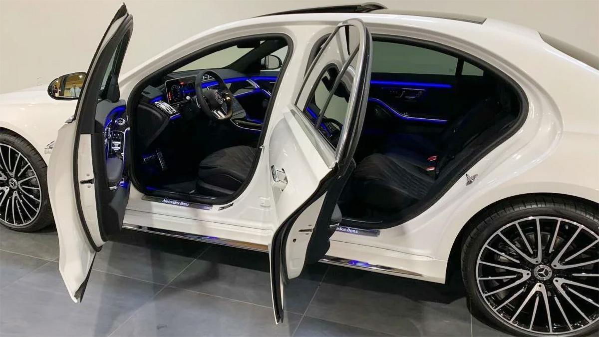 В России уже предлагают купить новые Mercedes-Benz S-класса. Очень дорого
