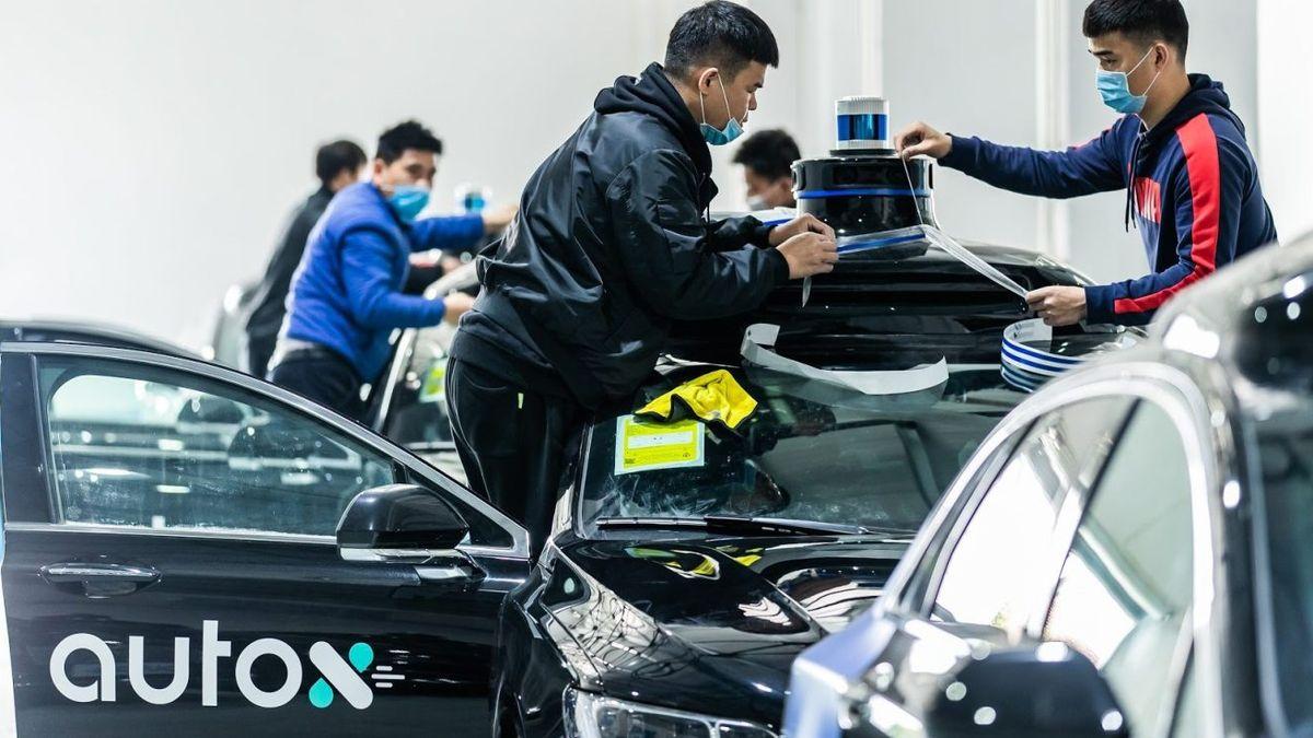 В Китае на публичные дороги впервые запустили беспилотники без водителей