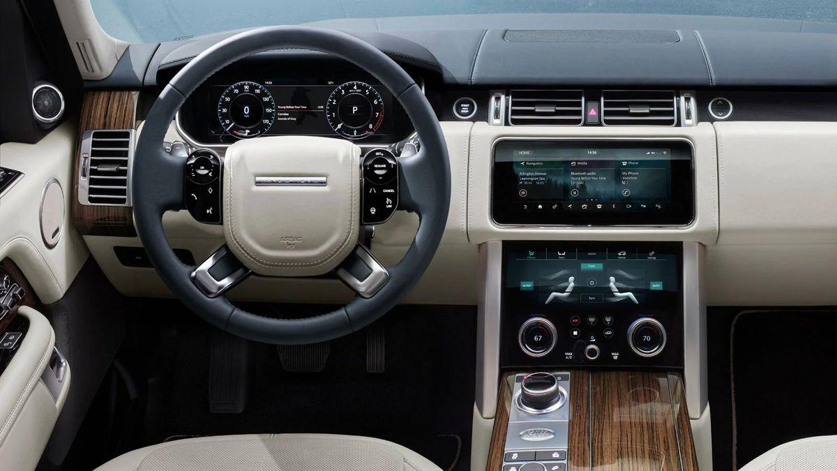 Владельцы Range Rover массово жалуются на проблемы с Apple CarPlay