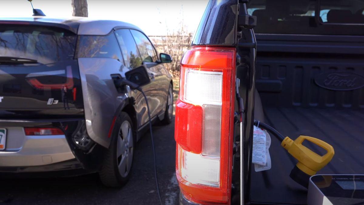 Посмотрите, как можно зарядить батарею BMW i3 с помощью обычного Ford F-150