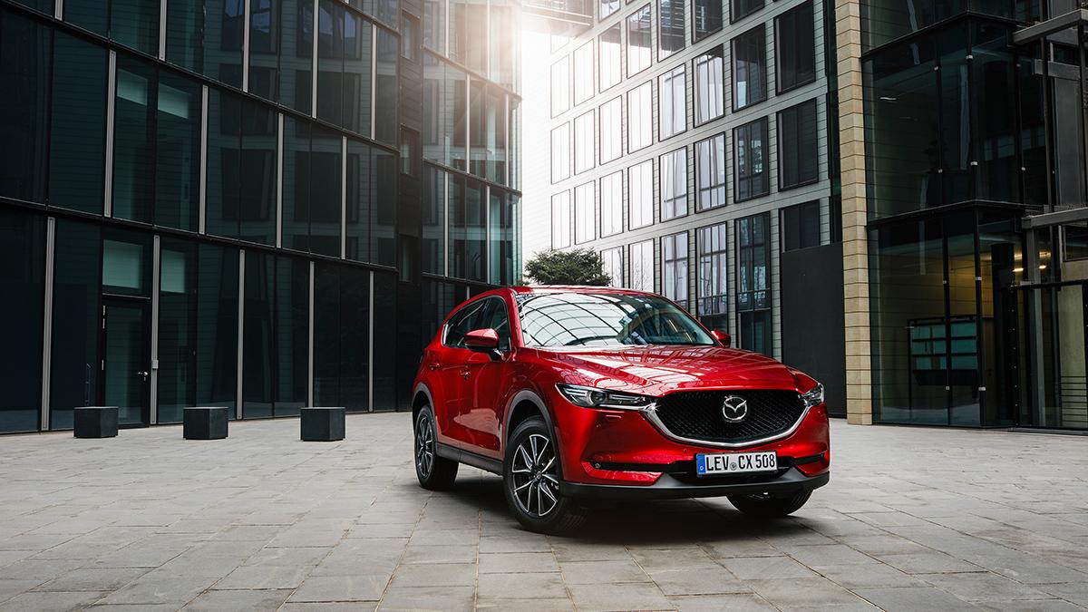 #10 Mazda CX-5 Ноябрь 2020 года: 2221 штука  Динамика продаж: плюс 8,3%  Динамика в рейтинге: плюс 1 позиция  Итого, 2020 год: 17 655 штук, минус 11,1% Найти новый Mazda CX-5 на Авто.ру