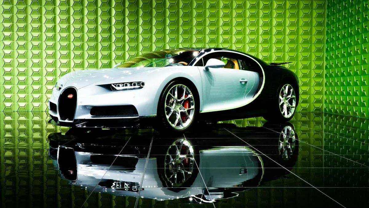 Самый дорогой автомобиль в России продают за 228 млн рублей. Это — Bugatti с пробегом