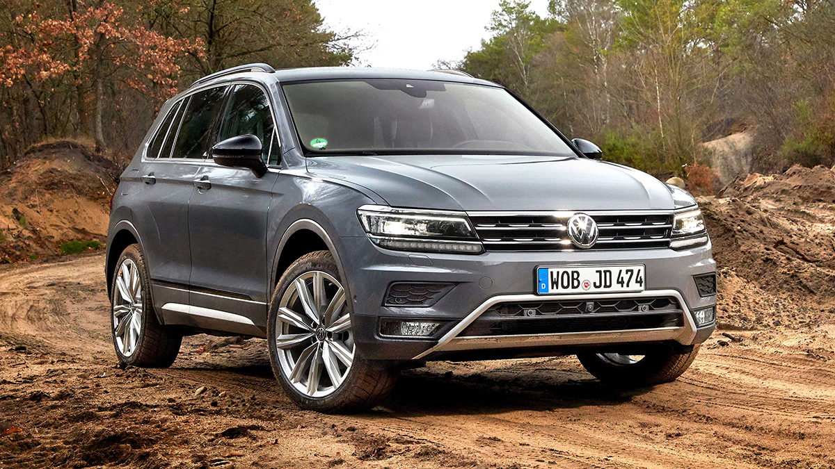 #4 Volkswagen Tiguan Ноябрь 2020 года: 3310 штук  Динамика продаж: минус 12,4% Динамика в рейтинге: минус 3 позиции  Итого, 2020 год: 26 989 штуки, минус 7,4% Купить Volkswagen Tiguan на Авто.ру
