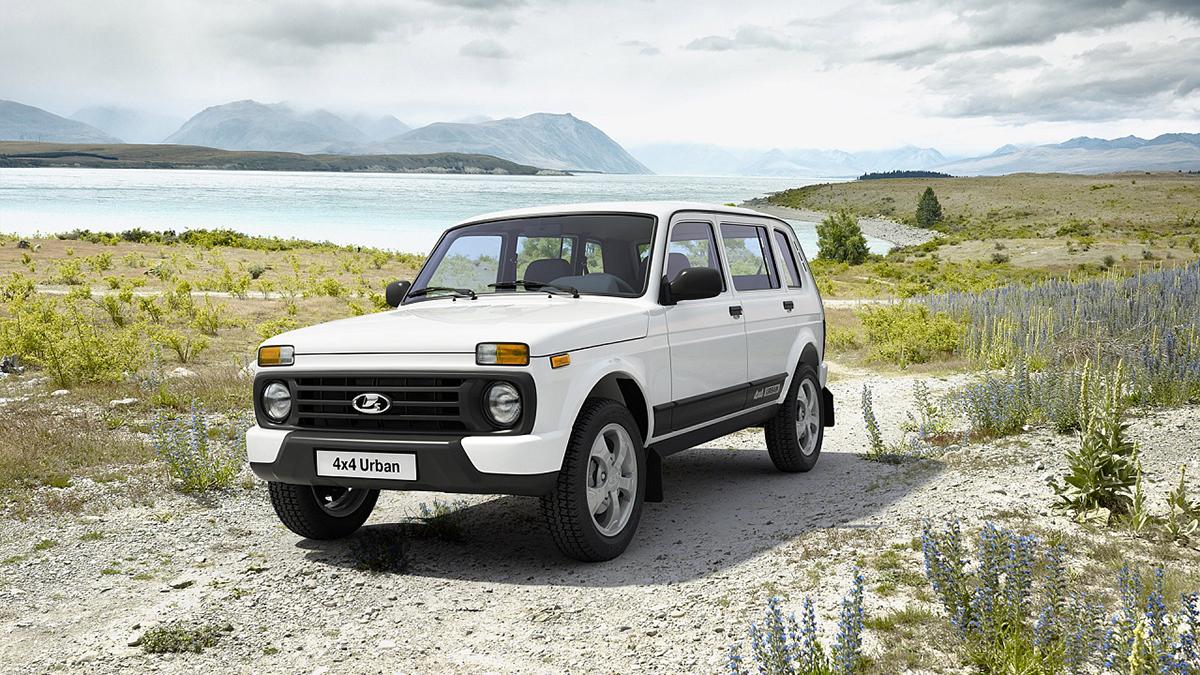 #2 Lada 4x4 Ноябрь 2020 года: 3513 штук  Динамика продаж: плюс 20,3% Динамика в рейтинге: плюс 3 позиции  Итого, 2020 год: 26 203 штуки, минус 10,4% Надёжные новые Lada 4x4 на Авто.ру