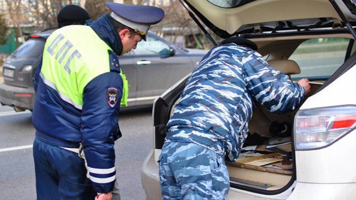 Полиции разрешат вскрывать машины: законопроект принят в первом чтении