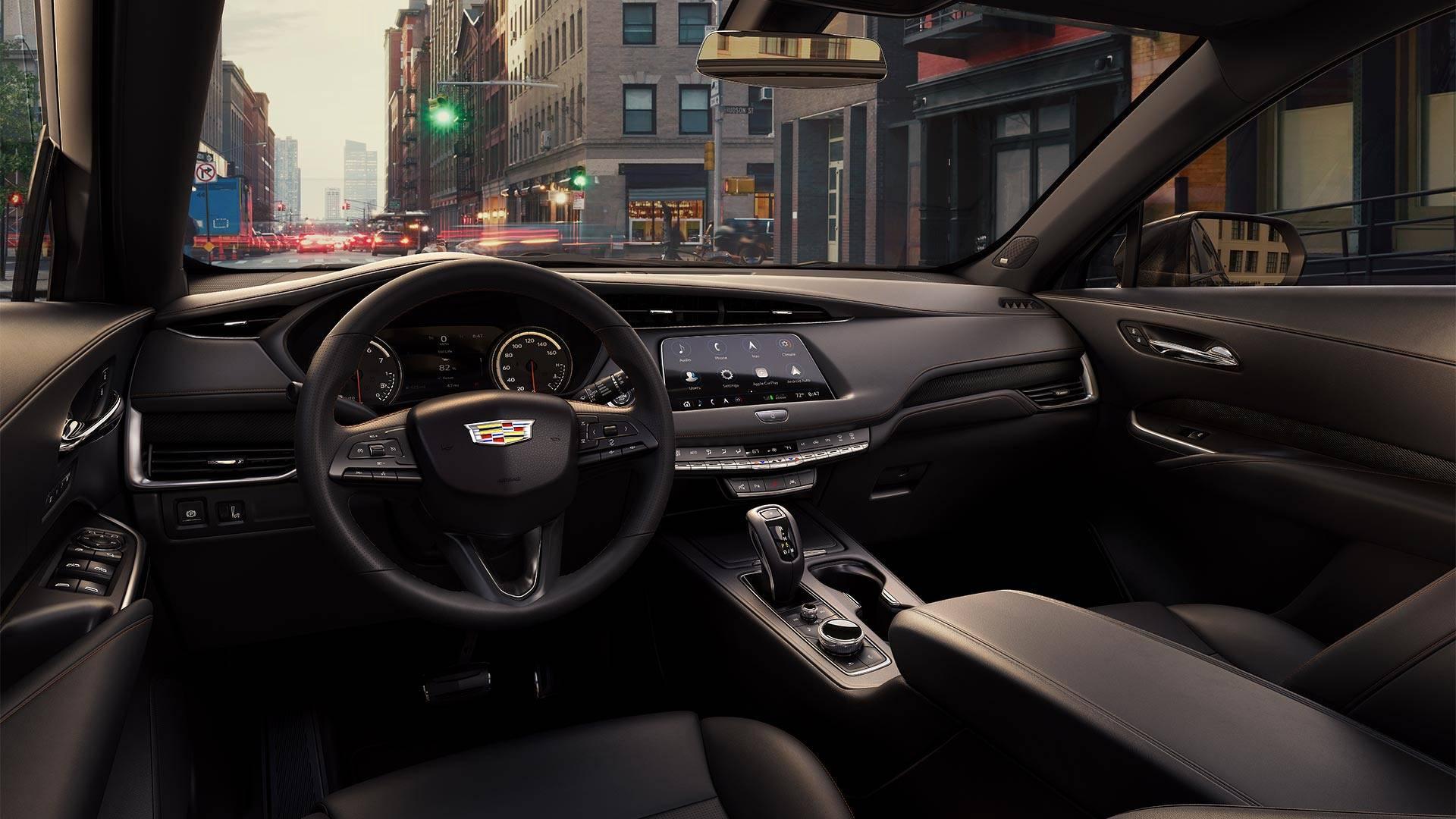 Названы российские цены самого доступного кроссовера Cadillac