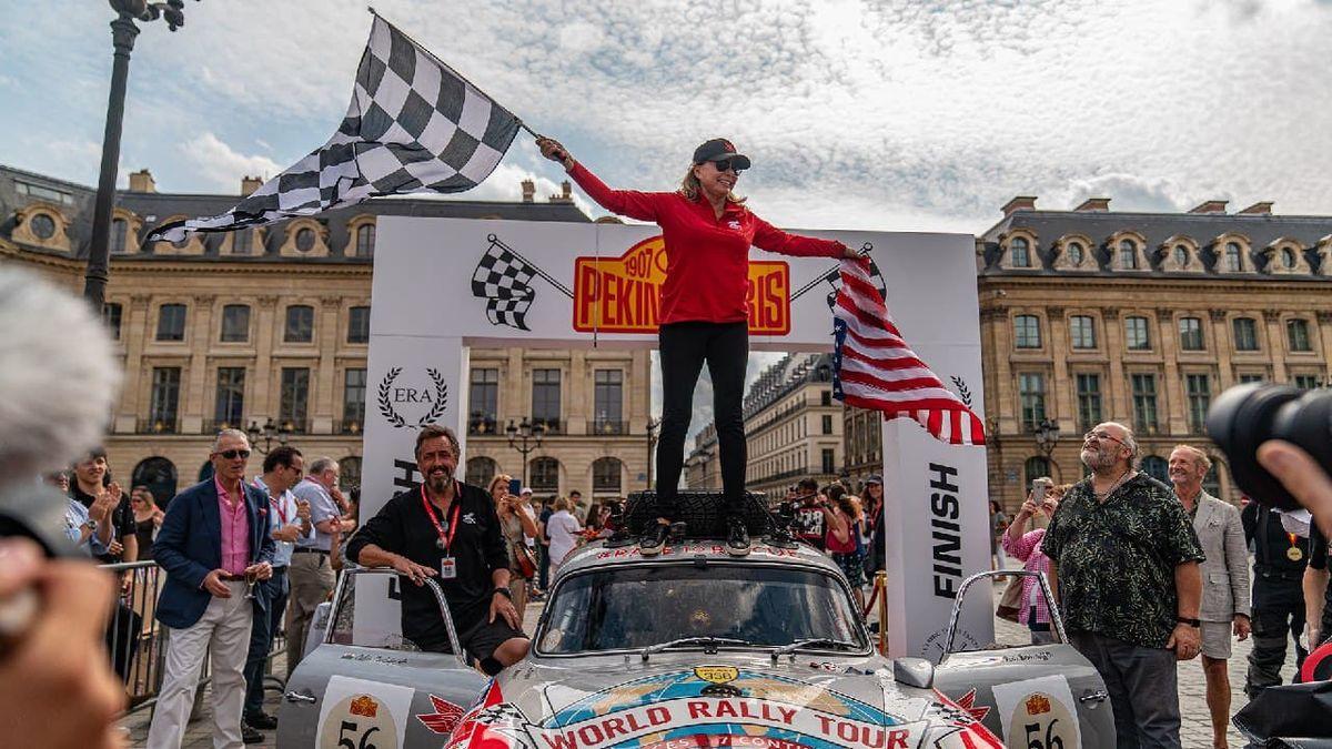 Американская гонщица хочет проехать через Антарктиду на 60-летнем Porsche