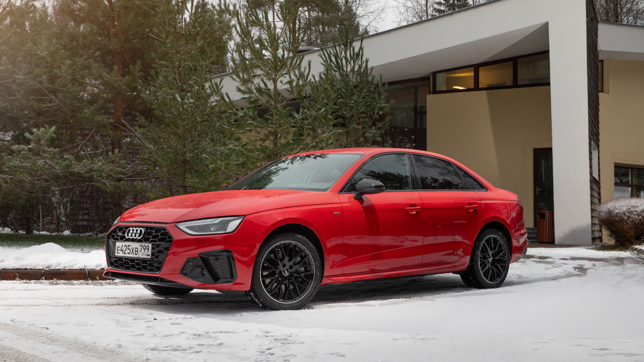 По мысли дизайнеров, новые линии должны напоминать о легендарном Audi Quattro с его «полками» над колёсными арками