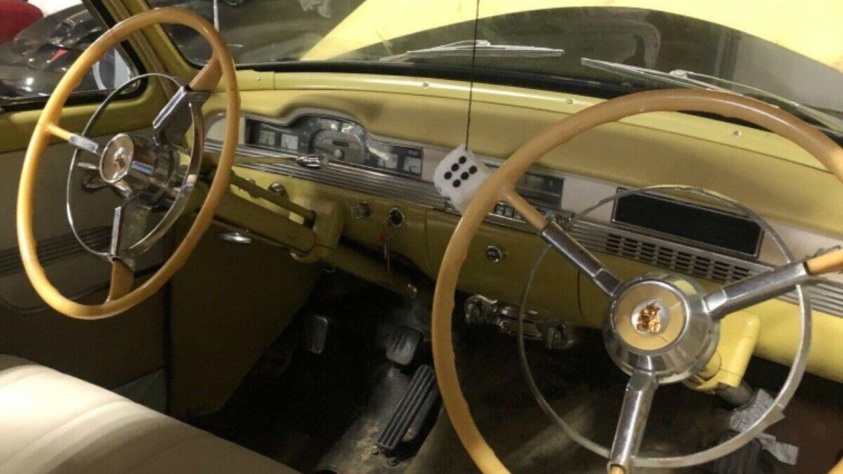 Необычный Plymouth Belvedere выставили на продажу. У него два руля