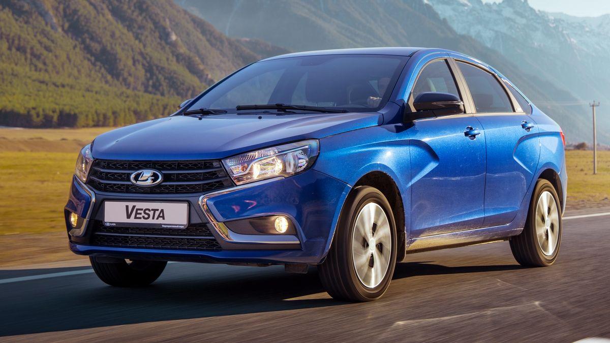 АвтоВАЗ выпустил первые обновлённые Lada Vesta