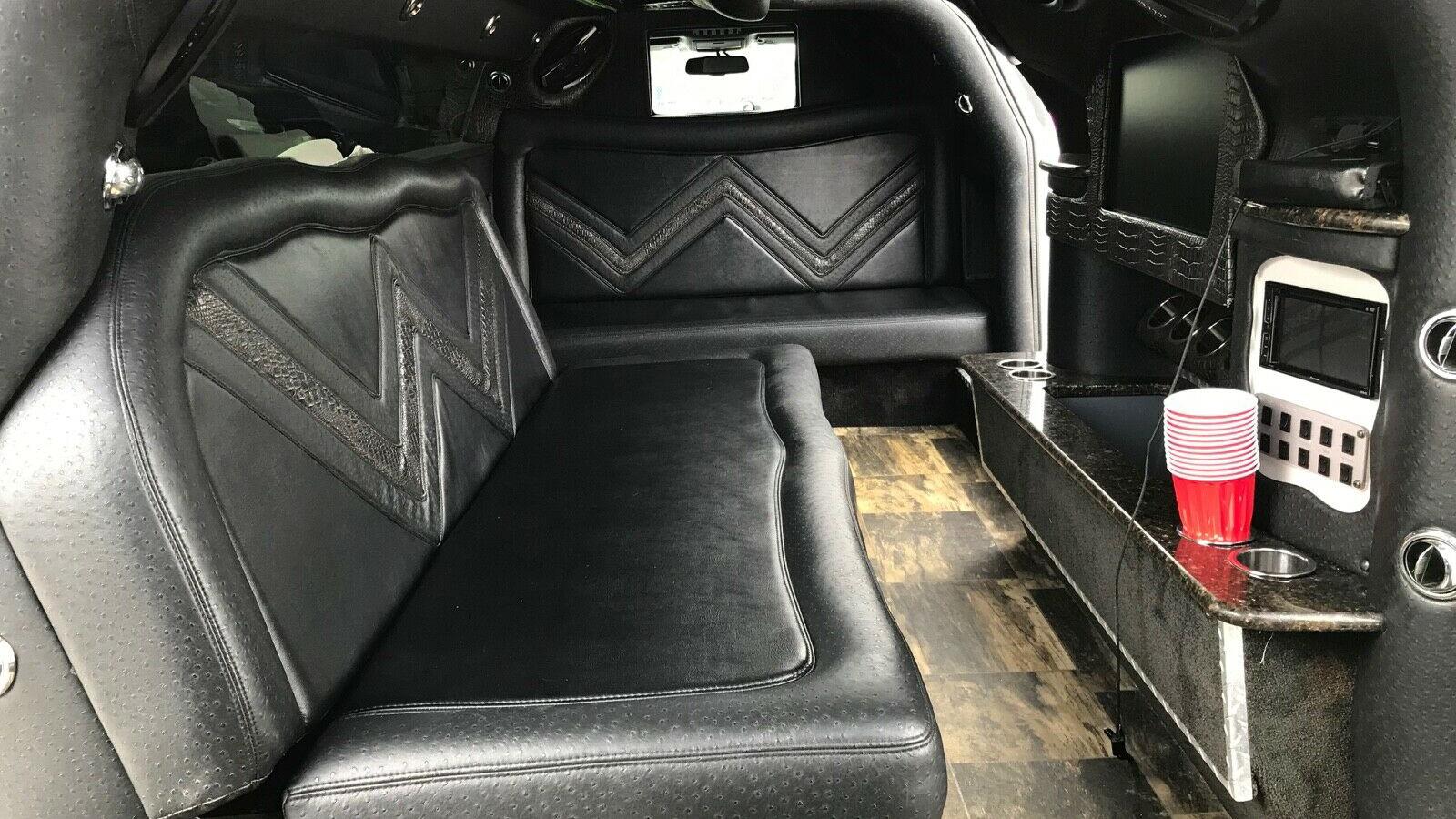 Взгляните на лимузин Dodge Challenger с «крыльями чайки»: его можно купить