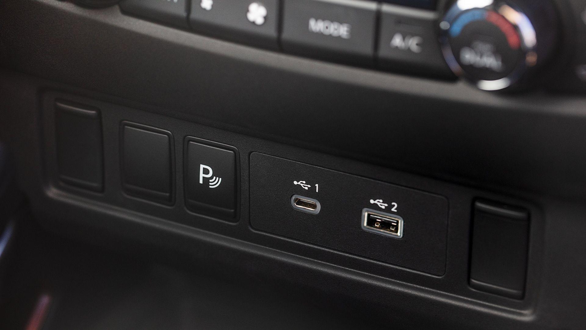 Рассекречен новый Nissan Frontier: знакомый V6 и дизайн в стиле пикапов 1980-х