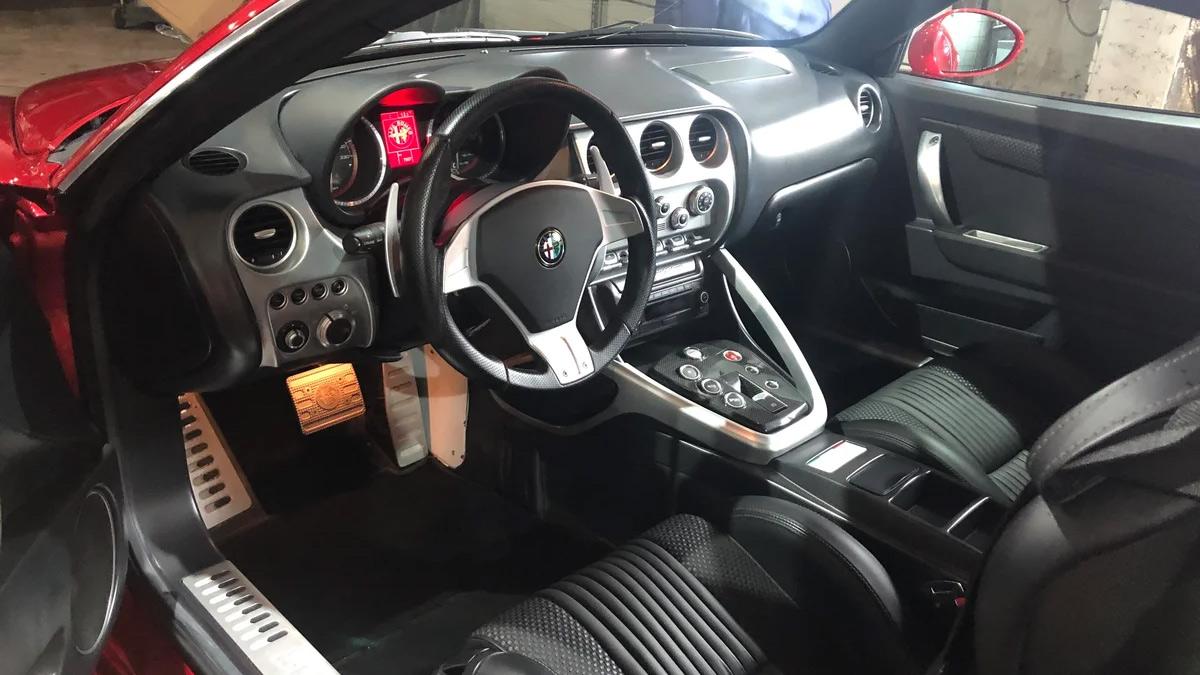 Единственное в России купе Alfa Romeo 8C Competizione продают дороже нового Bentley