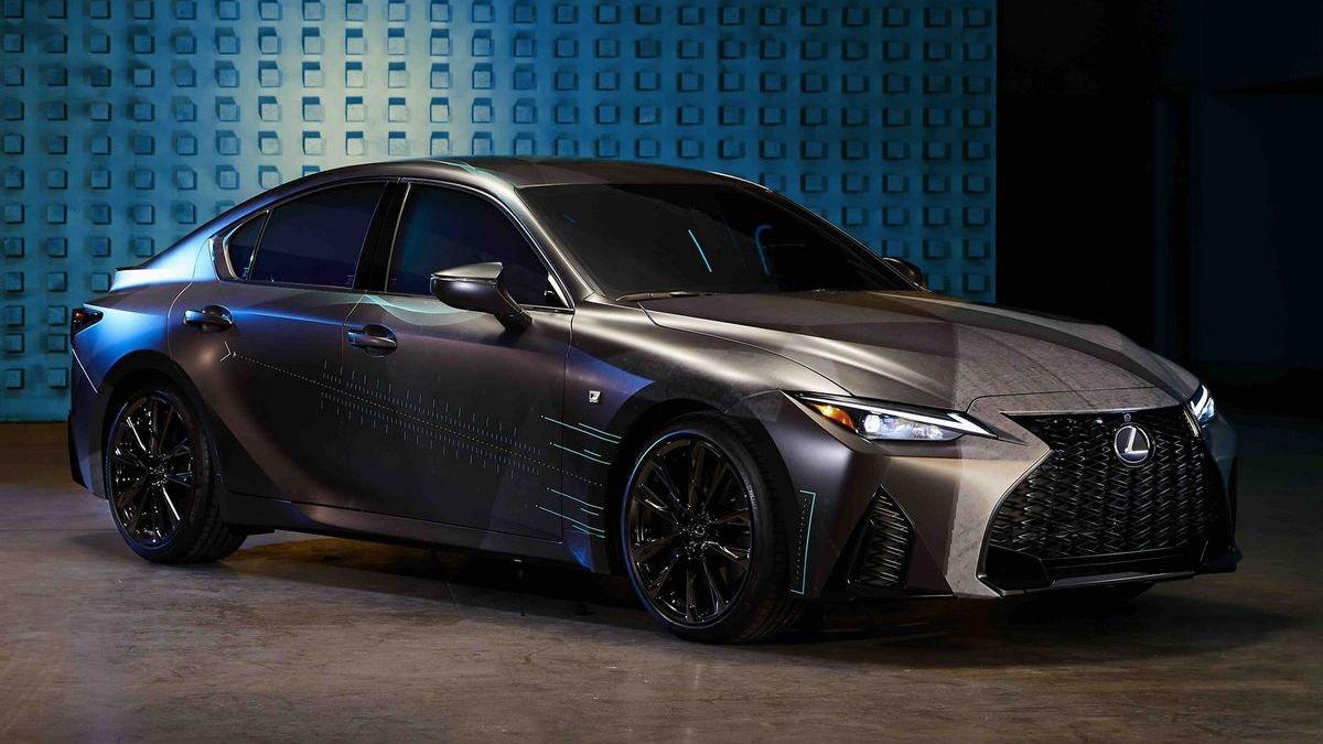 Марка Lexus построила машину для геймеров – с приставкой и огромным дисплеем